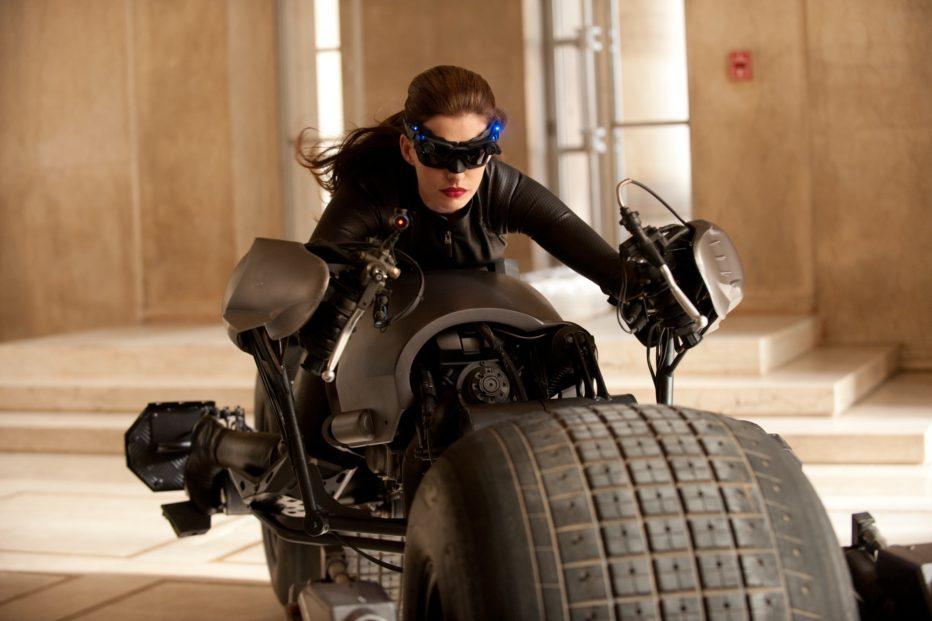 Tweets del día: Anne Hathaway como Catwoman