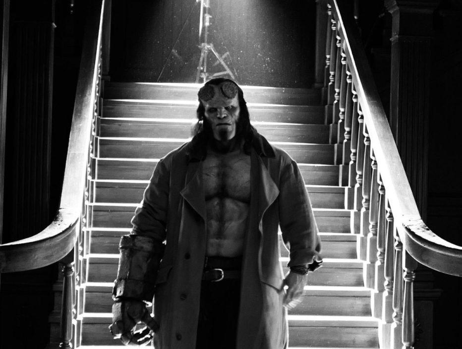 …y otra imagen de David Harbour como Hellboy