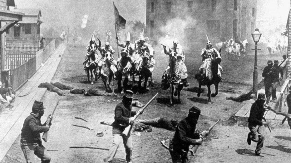 REVISITANDO LA HISTORIA DEL CINE: EL NACIMIENTO DE UNA NACIÓN (1915)